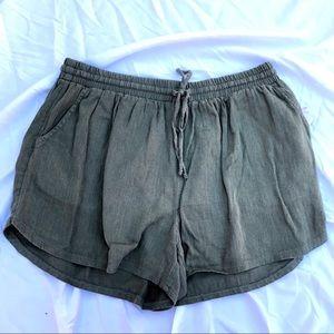 Universal Thread olive green fabric shorts